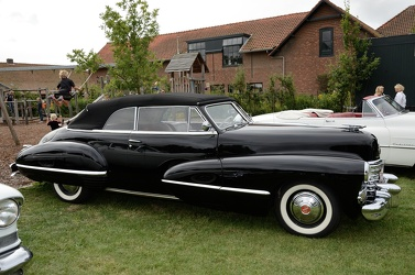 Cadillac 62 convertible coupe 1942 side