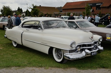 Cadillac 62 club coupe 1951 fr3q