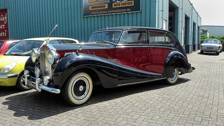 Rolls Royce Silver Wraith touring limousine by Mulliner 1953 fl3q