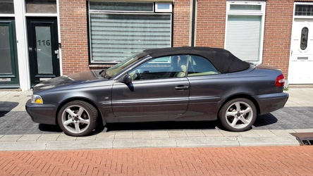 Volvo C70 S1b 2.0T convertible 2005 side