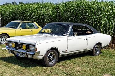 Opel Commodore A GS coupe 1969 fl3q