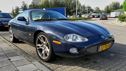 Jaguar XK8 X100 coupe modified 2001 fr3q