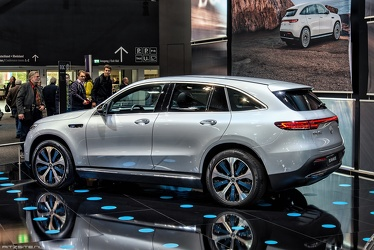 Mercedes EQC 400 4Matic 2019 r3q