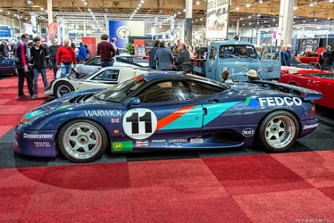 Jaguar XJR-15 1990 side