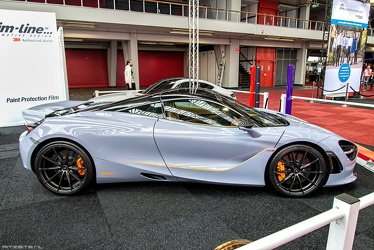 McLaren 720S by MSO 2018 side