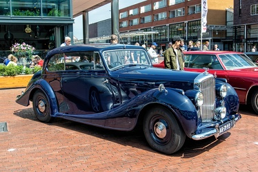 Bentley Mk VI FHC by Abbott 1950 fr3q