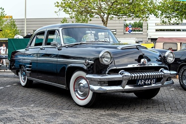 Mercury Monterey 4-door sedan 1954 fr3q