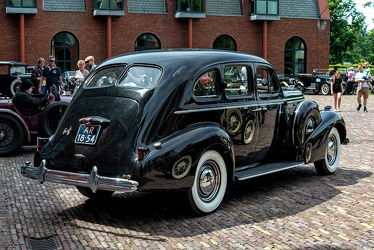 Buick Special 4-door touring sedan 1937 r3q