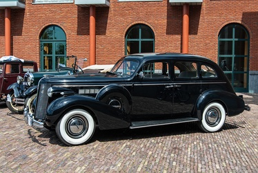 Buick Special 4-door touring sedan 1937 side
