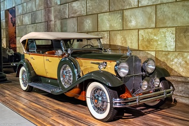 Packard 840 DeLuxe Eight sport phaeton 1931 fr3q