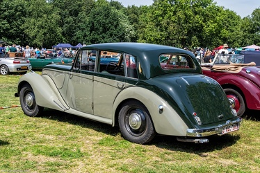 Armstrong Siddeley 18 HP Whitley 6-light saloon 1951 r3q