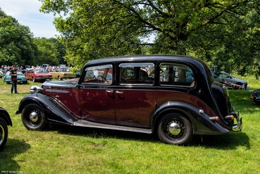 Vauxhall 25 HP Type GL limousine by Grosvenor 1940 side