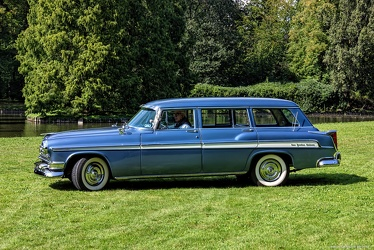 Chrysler New Yorker DeLuxe Town & Country wagon 1955 side