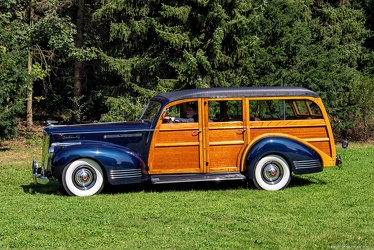 Packard 1901 One-Twenty DeLuxe station wagon by Hercules 1941 side