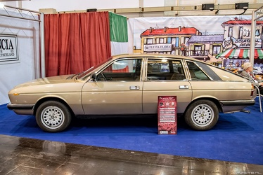 Lancia Gamma 2000 S2 berlina 1980 side