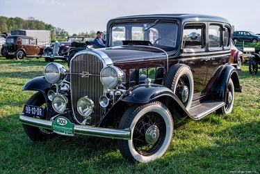 Buick Series 60 4-door sedan by Fisher 1932 fl3q