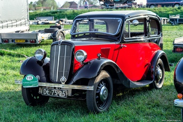 Morris 8 S2 2-door saloon 1938 fl3q