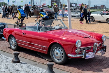 Alfa Romeo 2000 Spider by Touring 1959 fr3q