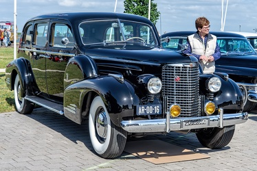 Cadillac 90 V16 7-passenger sedan by Fleetwood 1939 fr3q