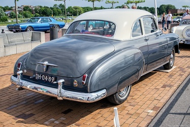 Chevrolet Styleline DeLuxe Sport coupe 1950 r3q