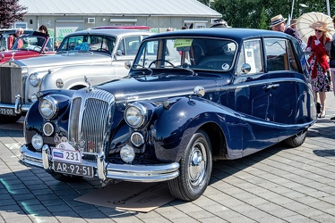 Daimler DF304 Regency Empress Mk 2a saloon by Hooper 1955 fl3q