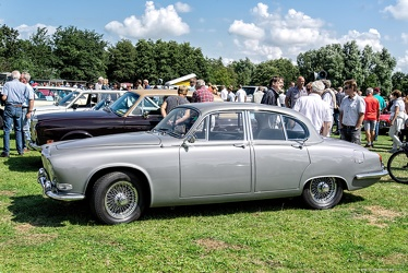 Daimler Sovereign 420 1967 side