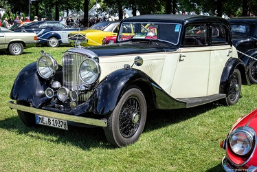 Bentley 4.25 Litre sports saloon by Park Ward 1937 fl3q