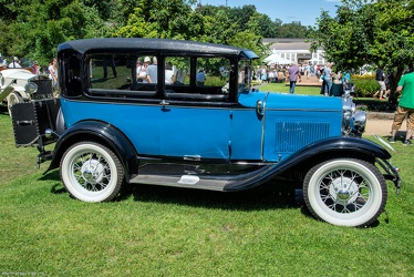 Ford Model A Tudor 1931 side