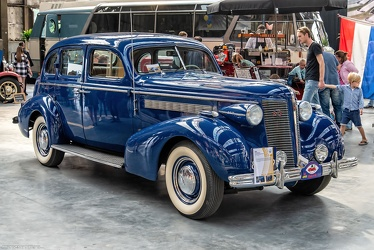 Buick Special 4-door trunkback sedan 1937 fr3q