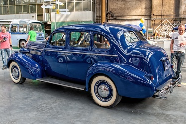 Buick Special 4-door trunkback sedan 1937 r3q