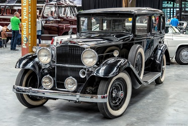 Packard 901 Standard Eight 4-door sedan 1932 fl3q