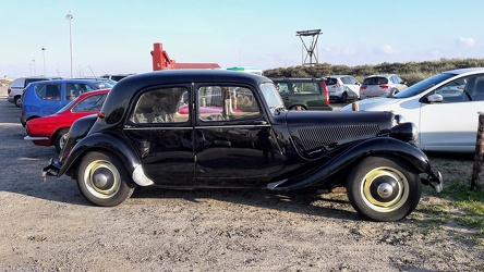 Citroen Traction Avant 11 BL 1954 side
