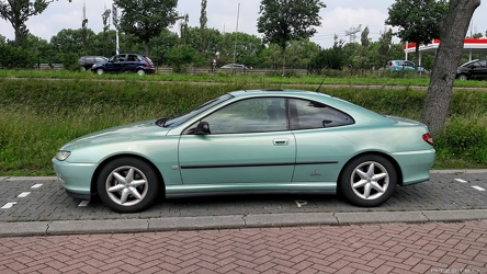 Peugeot 406 3.0 V6 coupe by Pininfarina 1998 side