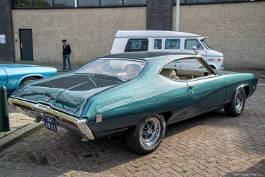 Buick GS350 hardtop coupe 1969 r3q