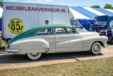 Buick Super sedanet 1948 side
